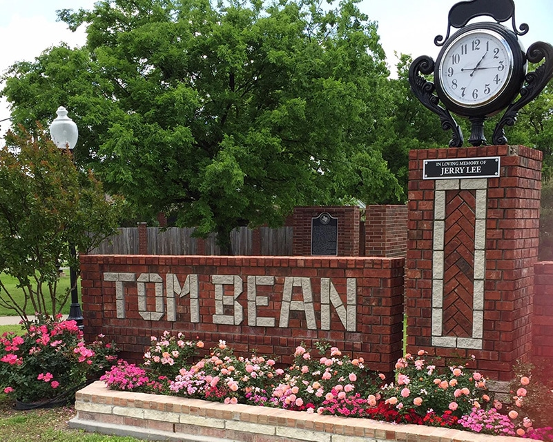 Tom Bean City Hall Sign in Spring