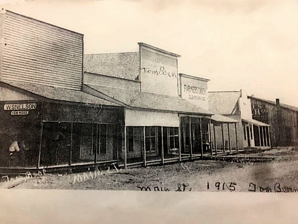 Tom Bean's Main St. in 1915